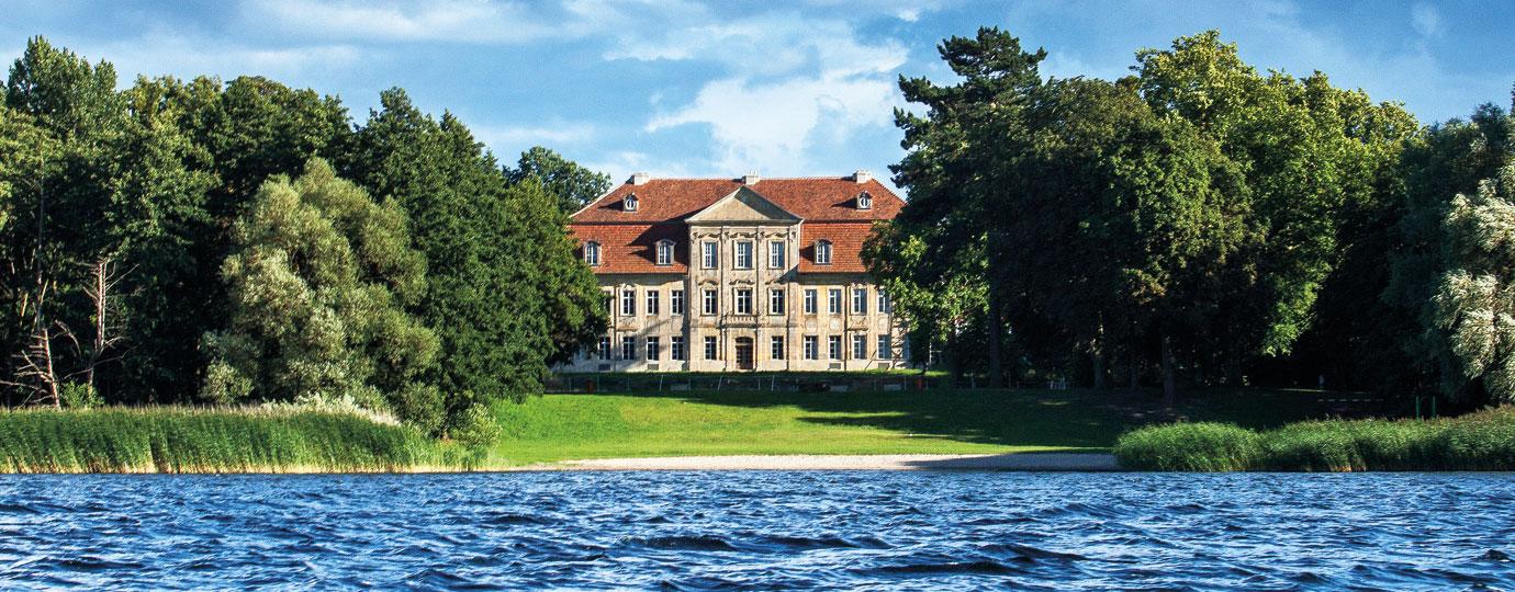 Schloss Kummerow - Kummerower See