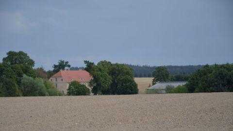 Blick auf das Gutshaus in Wolkwitz