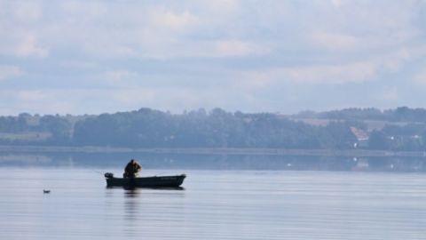 Angler auf dem Kummerower See