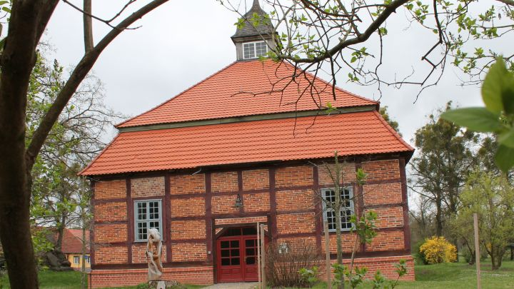 10 04 2014 kunstkapelle remplin (1)